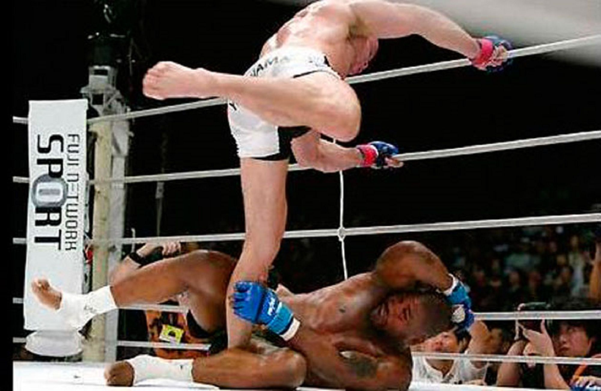 http://static1.thesportsterimages.com/cdn/864/562/90/cw/wp-content/uploads/2014/10/Wanderlei-Silva-and-Quinton.jpg