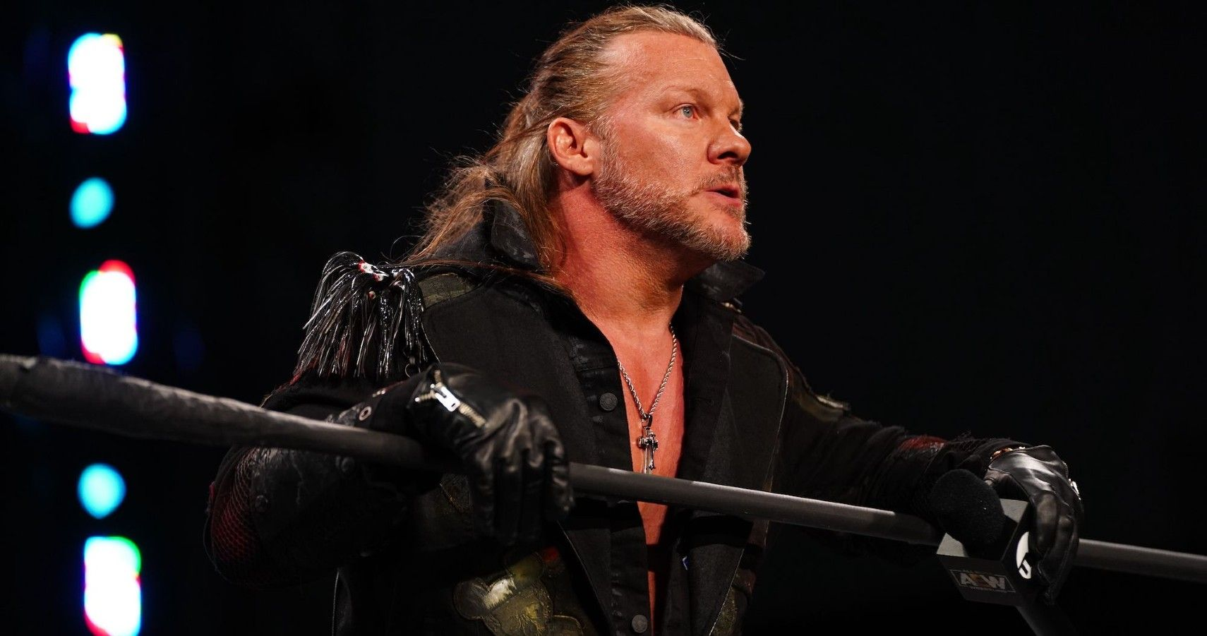 Chris Jericho Finally Reacts To Fan Critique Of His Cage Bump At Blood And Guts